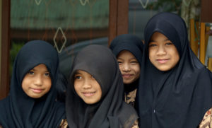 yum-4girlsinhijab